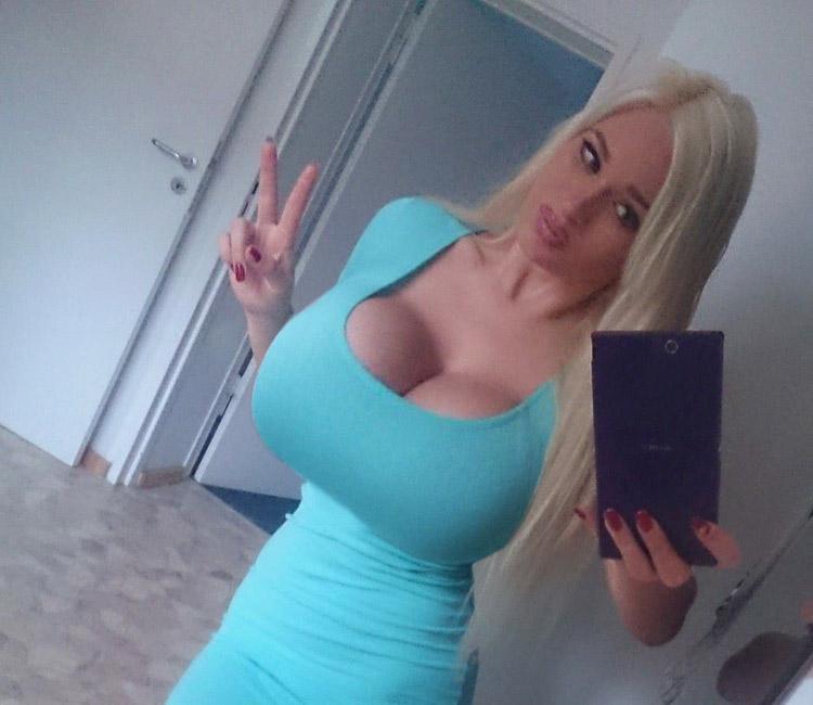 Selfie de blonde ukrainienne