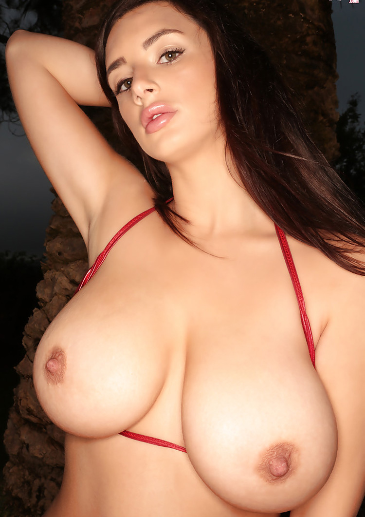 Gros seins naturels