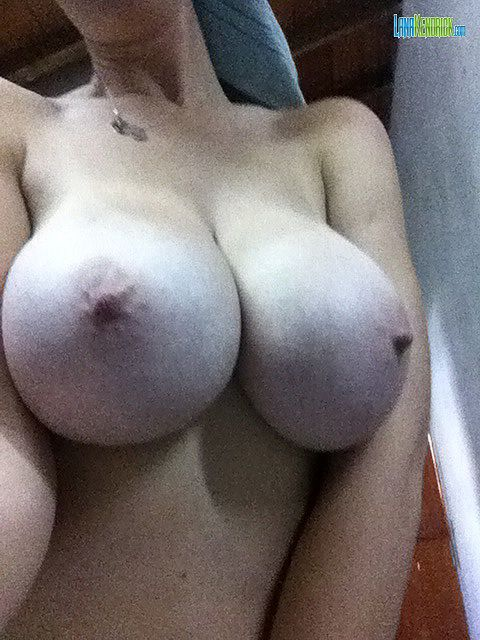 Lana Kendrick Iphone Selfies sexy 11