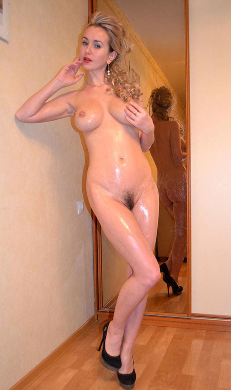 Belle blonde russe nue 1
