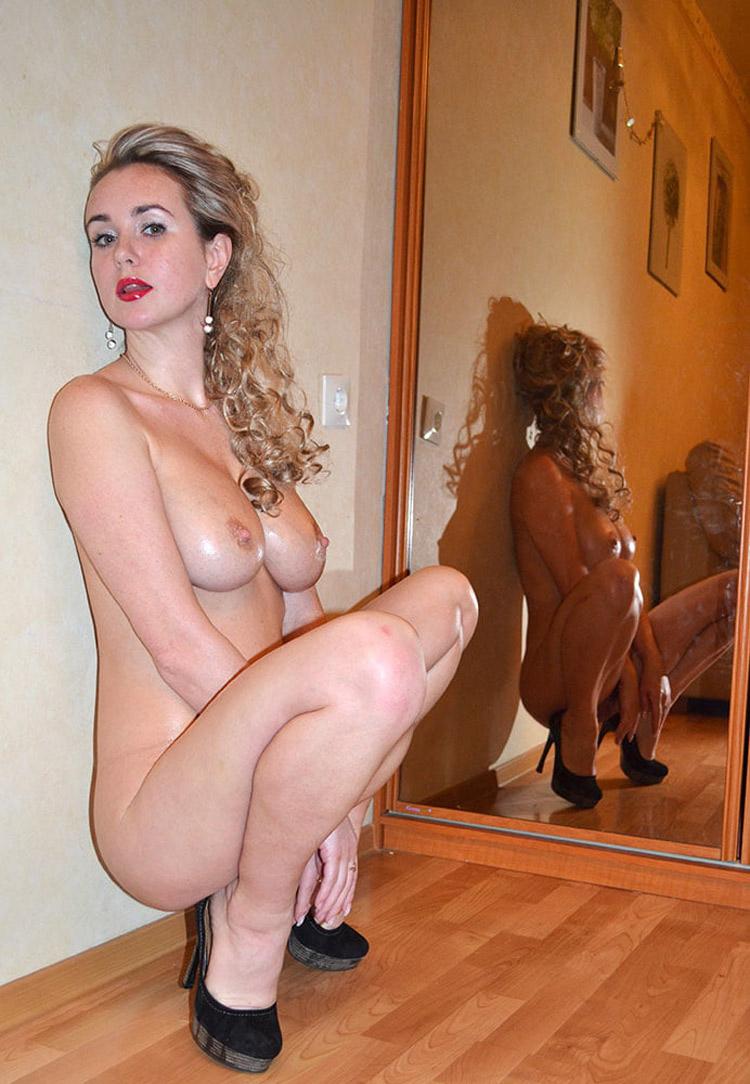 Belle blonde russe nue 9
