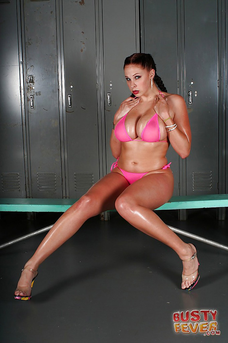 Gianna Michaels nue Busty Fever 4