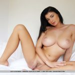 Photos softcore Lucy Li nue – MetArt