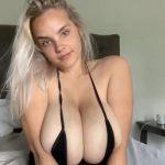 Bombasse hollandaise blonde aux énormes mamelles 🇳🇱