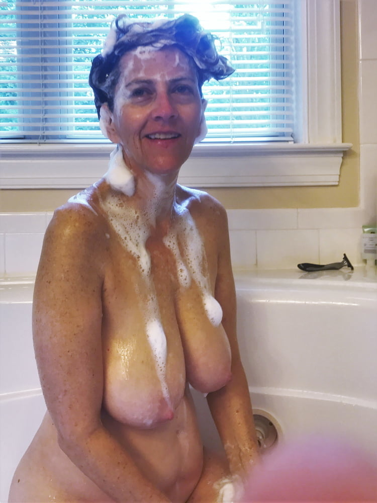 Denise, houewife saggy tits 1