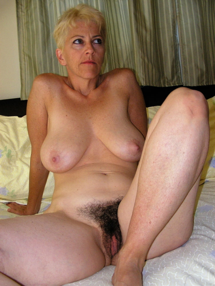 Denise, houewife saggy tits 10