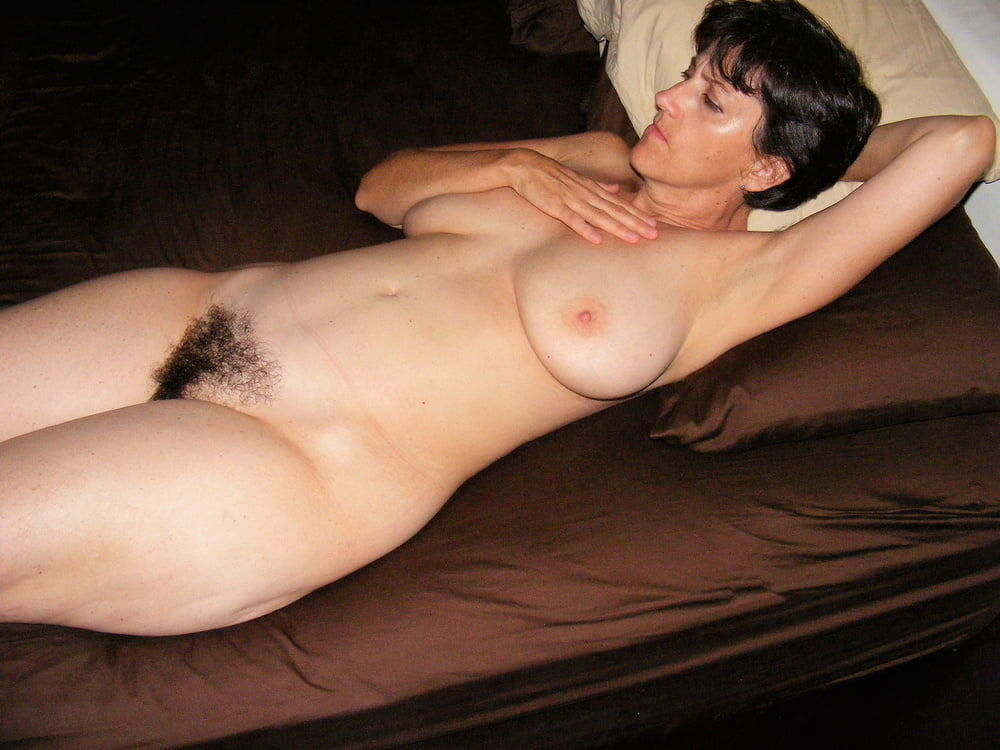 Denise, houewife saggy tits 11