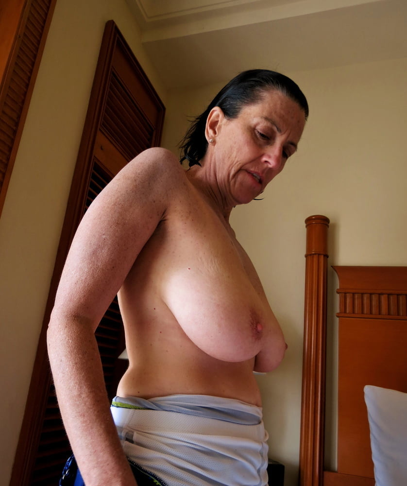 Denise, houewife saggy tits 12