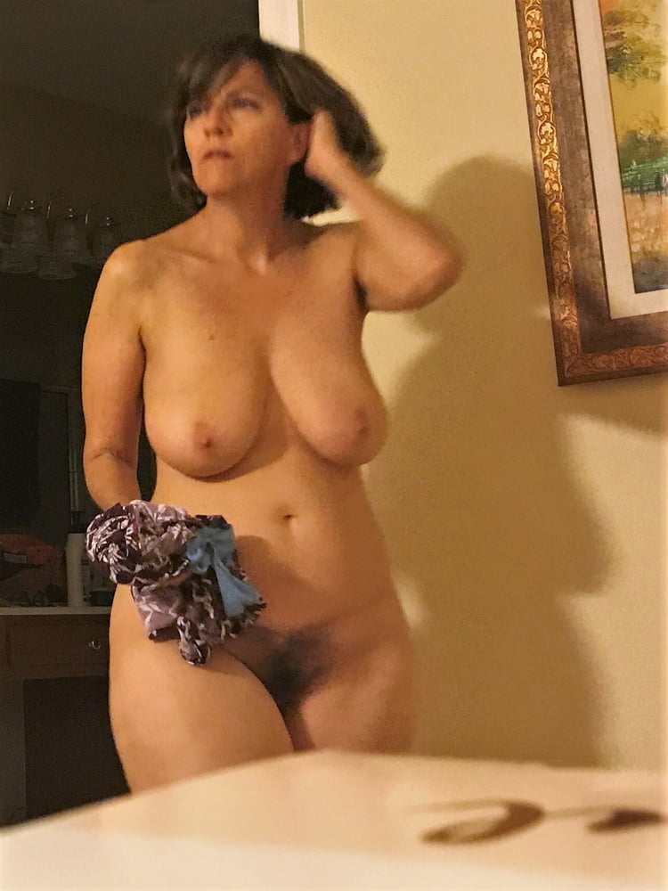 Denise, houewife saggy tits 15