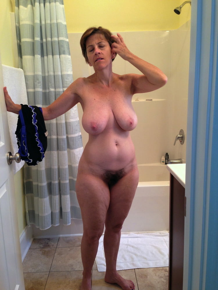 Denise, houewife saggy tits 7
