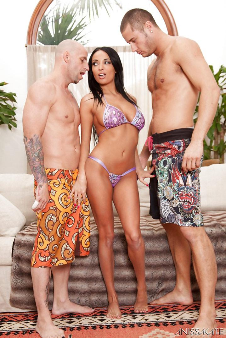 Anissa Kate beurette threesome 1
