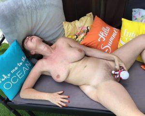 Carole mature libertine qui se branle bourrée 9