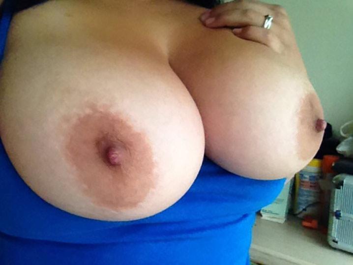 Chacha brune gros nibards 3