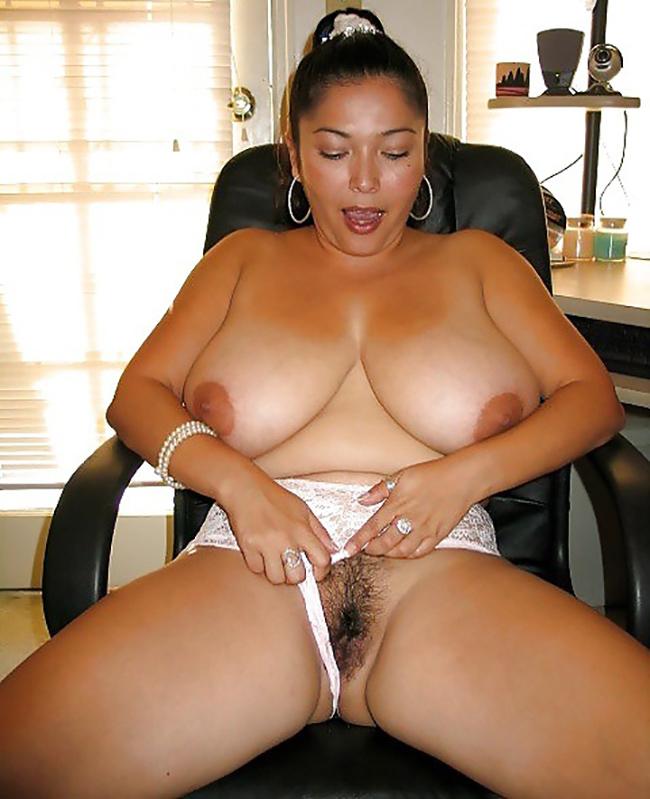 Selena BBW latine grosses mamelles Nude 5