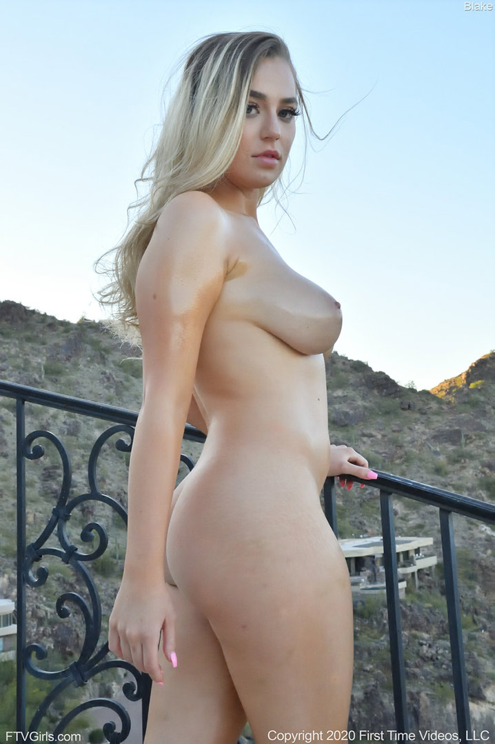 Blake Blossom babe nue outdoor FTV GIRLs 11